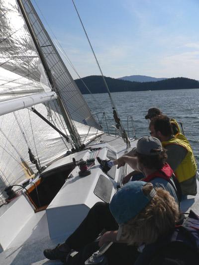 aaron-ed-mike-karen-sailing-alaska (83k image)