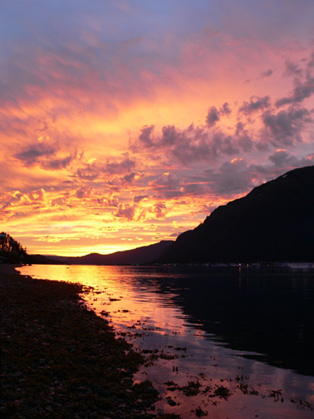 beautiful-alaskan-sunset-juneau-alaska (85k image)