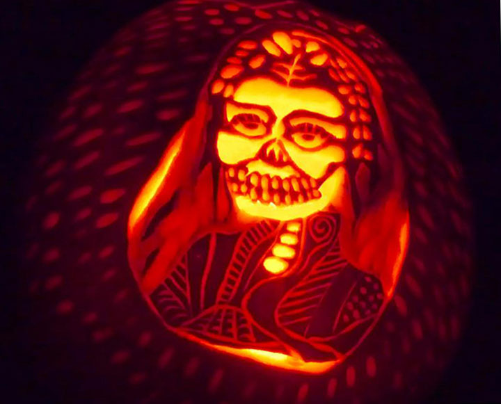 frida-pumpkin-carving (63k image)