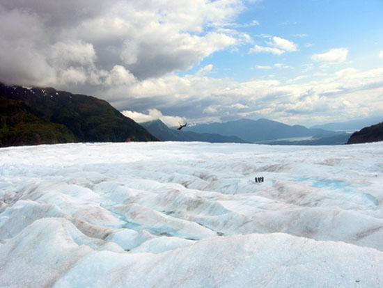 juneau-ice-field-glacier-trek-aerial (72k image)