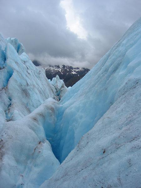 juneau-ice-field (76k image)