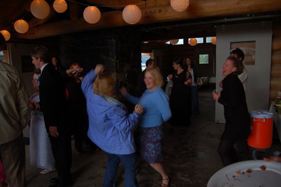 kelly-jenny-dancing (70k image)
