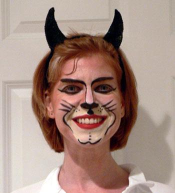 maren-cat-halloween-07 (44k image)