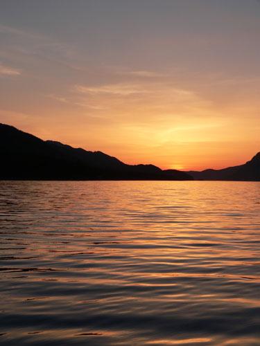 orange-sunset-beautiful (49k image)