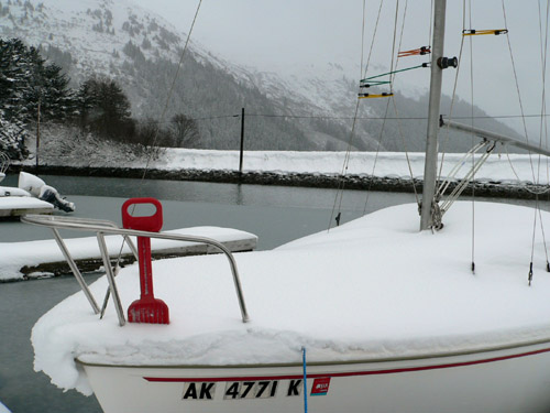 sailboat-snow-shovel-douglas-harbor-rozinante (68k image)