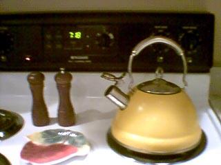 yellow_teapot (27k image)